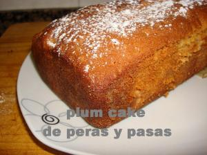 Plum cake de peras y pasas