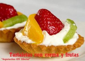 Tartaletas con crema y frutas