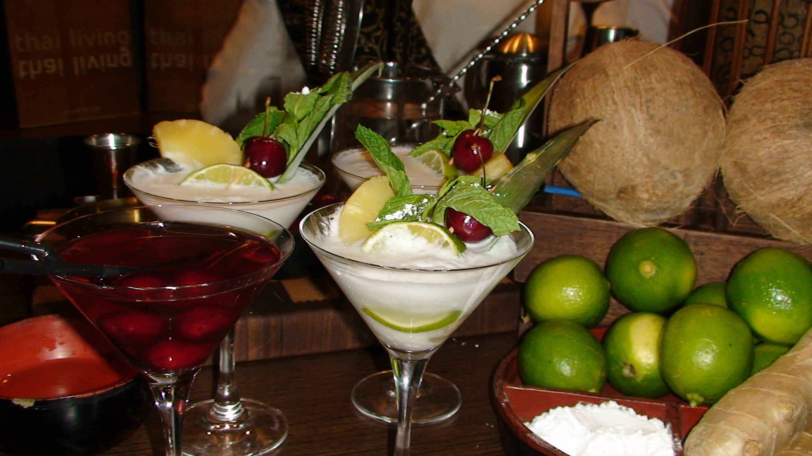 C cteles sin alcohol la alternativa degustacions atc for Adornos para cocteles