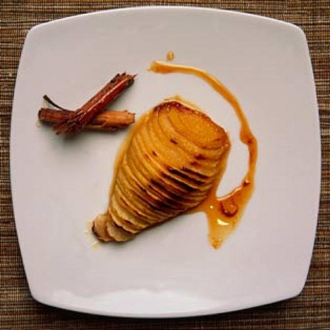 Peras asadas con miel y canela
